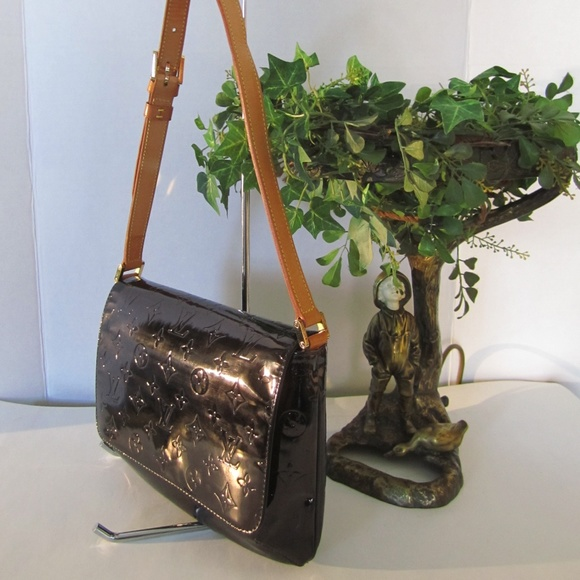 2d49792a1129 Louis Vuitton Handbags - Louis Vuitton Thompson Street EUC! SUN. SALE!